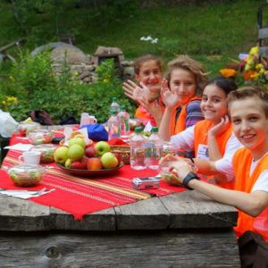 "Международен летен езиков лагер ""Lucky Kids"""
