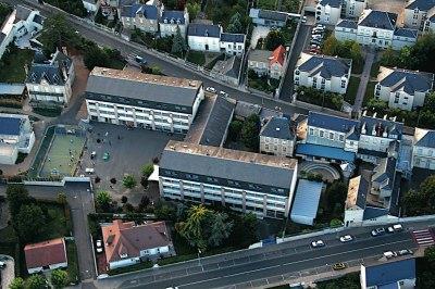 Saint Denis International School