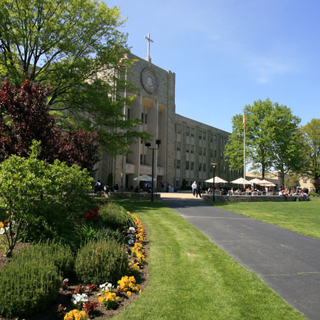 St._John_University-Queens2
